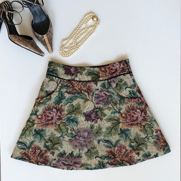 e2ccd3530 Free People Dresses & Skirts - FREE PEOPLE Floral Tapestry Skirt